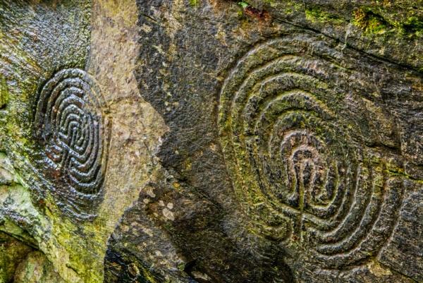 A (isolada) mente-dédalo e o (relacional) corpo-labirinto